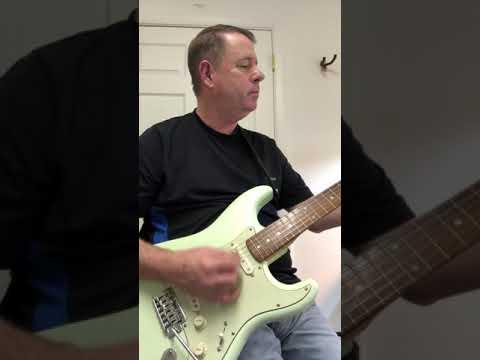 Pistachio Strat with Fender Pure Vintage 65 pickups