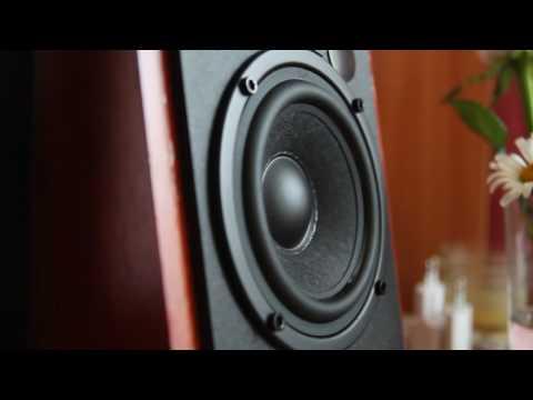 Edifier R1700BT (bassotronics - bass i love you)