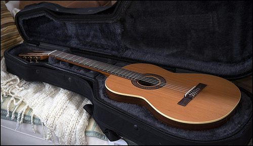 the 4 best classical guitars under 1000 reviews 2019. Black Bedroom Furniture Sets. Home Design Ideas