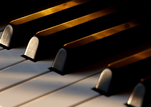 best piano to learn on, best digital piano for beginners, best beginner piano