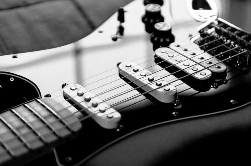 best strings for fender strat, best strings for a strat, best strings for strat, best guitar strings for fender strat