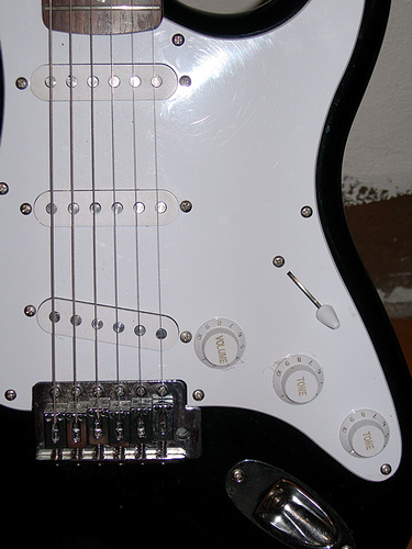 The 4 Best Strat Middle Pickups – Reviews 2019
