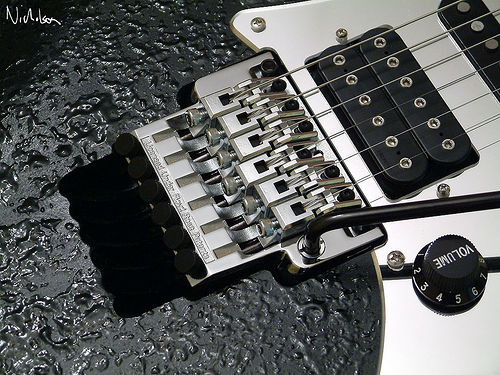 best tremolo system, best floating tremolo system, best locking tremolo system, tremolo locking system