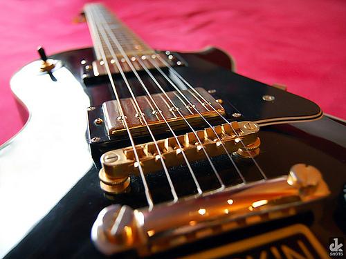the 4 most versatile guitars electric guitar reviews 2018. Black Bedroom Furniture Sets. Home Design Ideas