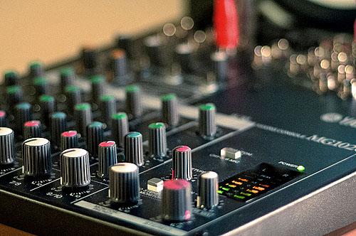 behringer preamp mixer,best mixer preamps,dj preamp mixer,do mixers have preamps,mic preamp mixer,microphone mixer preamp,mixer with phono preamp,mixer with preamp,preamp mixer,what is a preamp mixer
