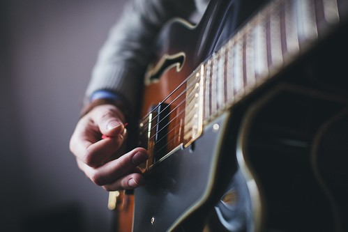 best electric guitar for singer songwriter